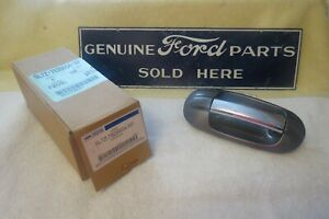 New Oem 07 17 Ford Expedition Rear Rh Outside Door Handle 9l7z 7826604 Ap 898