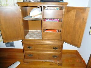 Vintage 3 Piece Heirloom Collection 1970s Ethan Allen Bedroom Suite