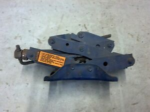 Scissor Jack Ford Mercury Lincoln 70 s 80 s D Code Small Vintage Antique