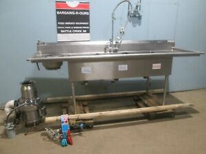 m E Hd Commercial nsf 100 l 3 Compartment Ss Sink W erator Rinse Sprayer