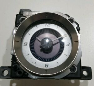 2002 Cadillac Escalade Center Console Upper Trim Clock Oem Gmc Yukon Denali