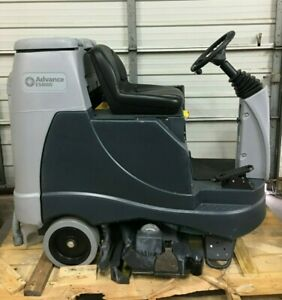 Advance Ride on Carpet Extractor Deep Cleaning Floor Machine Es4000
