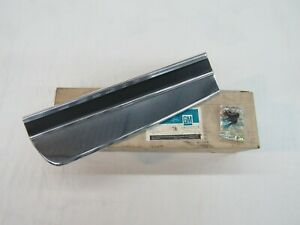 Nos 1974 75 Chevy Monte Carlo Lh Front Fender Body Side Molding Gm 6260524
