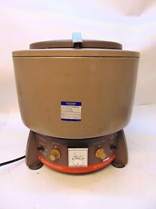 Iec Hn s Centrifuge With Swinging Rotor Iec 221 0 74 With 6 Inserts S4682