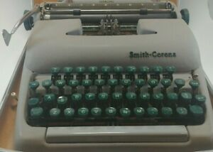 Vintage 1950s Smith corona Sterling Typewriter W Case excellent Free Shipping