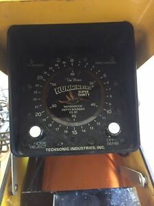 Humminbird Depth Sounder Super Thirty In Tom Mann Metal BirdTrap Box