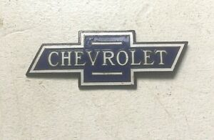 Vintage Chevrolet Bow Tie Porcelain And Enamel Radiator Emblem 1920 S And 1930 S