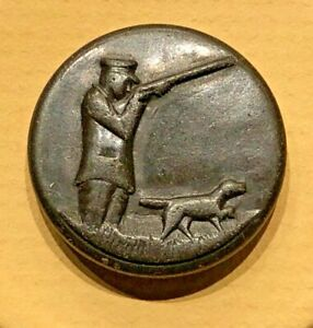 Antique Composition Sporting Button Hunter Dog Scene 7 8