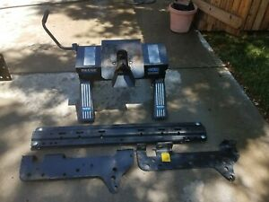 Reese 16k Fifth Wheel Hitch With Rails And Ford Mounting Brackets