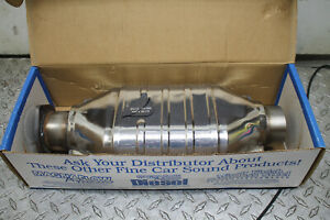 Magnaflow 94306 Universal High flow Catalytic Converter Oval 2 5 In out