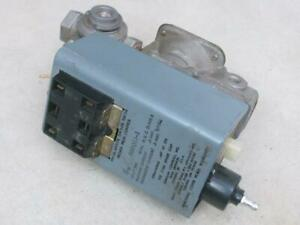 Johnson Controls G60qcj 1 Ignition Control With Lockout W Valve Vlv34a 644