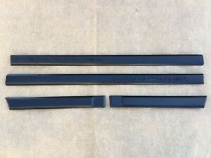06 10 Jeep Commander Black Exterior Door Trim Molding Driver Passenger Set Oem