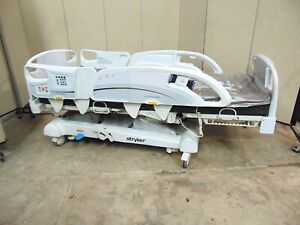 Stryker In Touch Hospital Bed Model 2141 With Hand Control Mattress Sr689