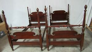Pair Twin Poster Beds Pineappple Mahogany Vintage