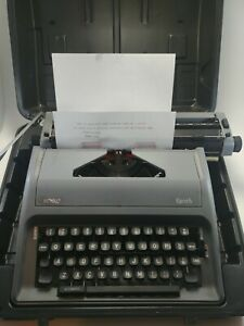 Vintage Royal Epoch Portable Manual Typewriter W Case excellent Free Shipping