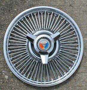 One 1964 1965 1966 Ford 14 Inch Wire Spinner Hubcap