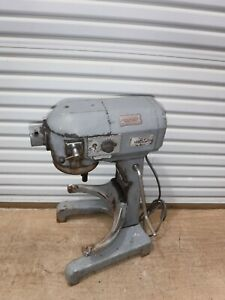 Hobart A 200t Commercial 20 Qt Bakery Baking Dough Mixer 3 Speed