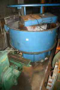 60 Cubic Feet Sweco Vibratory Finisher Yoder 17426