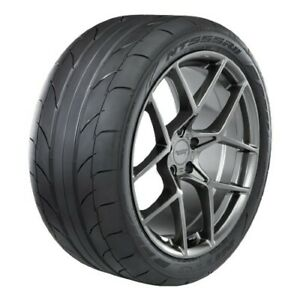 2 New Nitto Nt555rii 305 50r20 Tires 3055020 305 50 20