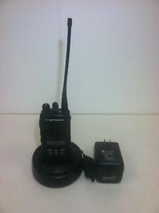 Motorola Ht1250 Ls Radio Aah25sdh9dp5an With Antenna Battery Rapid Charger