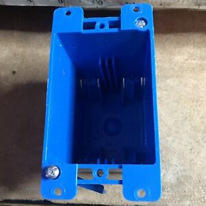 Lamson B120r Carlon Pvc Outlet Box Pack Of 1 New Blue Complete