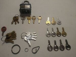 Locksmith Lot 1x Commercial Padlock 30 Misc Keys