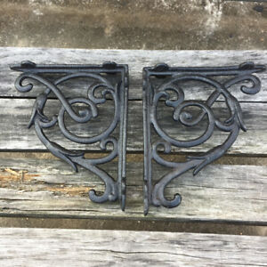 1 Pair Of Cast Iron Wall Brackets Shelf Rustic Vintage Antique Ornate Home Room