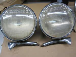 1934 Chevrolet Headlight Buckets And Mounts