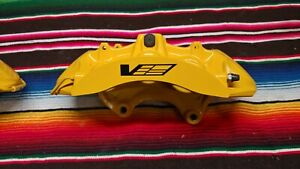 2009 13 Cadillac Cts V Brembo Yellow 6 Piston Front Calipers