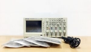 Tektronix Tds2024b 200mhz 2gs s 4ch Oscilloscope With P2200 Probes
