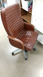 Vintage 1982 Steelcase Vecta Contract Ferrari Leather Style Swivel Chair Office