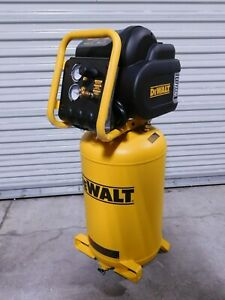 Dewalt 1 6 Hp Vertical Port Electric Compressor 5 4 Cfm 15 Gallon Tank D55168