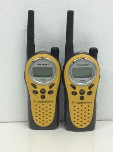 Lot Of 2 Motorola T7200 Talkabout Two Way Radios W 2xbattery No Charger Working
