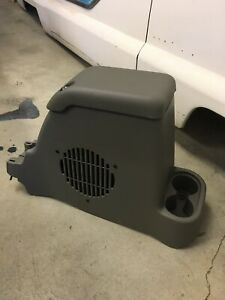 01 06 Jeep Wrangler Tj New Takeoff Center Console Near Mint Lid And Subwoofer