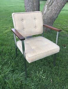 Vtg Mid Century Royal Metal Industrial Wood Arm Upholstered Office Chair
