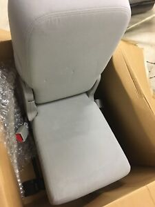 New 2007 2014 Tahoe Jumpseat New Center Jump Seat Oem Takeoff Grey