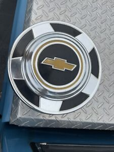 73 87 Chevy 4x4 Dog Dish 15 Hubcaps Set Of 4 K10 6 Total