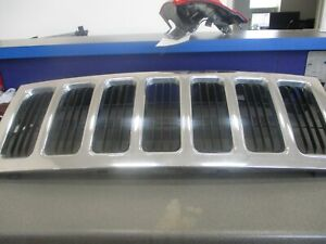 2006 2010 Jeep Commander Grill