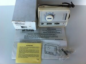 Nos York Two Stage Heat Cool Heat Pump Thermostat 2th11704224 025 02970 000