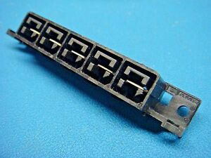 1 Amp 556881 5 Female Power Supply Connector 5 Pos Power to the board 600v 35a