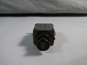 Aircraft Circuit Breaker 2 1 2 Amp For Boeing Bacc18z2r 2tc6 2 1 2 New