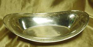 Meriden Britannia Co 646 Sterling Silver Oval Bread Bowl 230 6 Grams