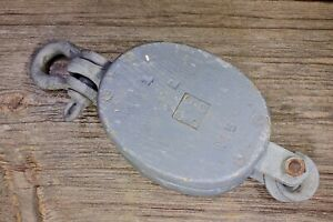 Wood Pulley Block Tackle Shackle Rustic Old Vintage 3 1 2 Battleship Gray Paint
