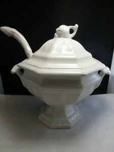 Large White Vintage Red Cliff Ironstone Soup Tureen W Ladle Post 1940