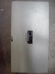 Federal Pioneer 14538 200a Circuit Breaker With Enclosure Tested