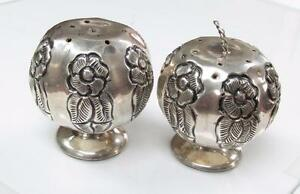 Vintage Sterling Silver Floral Salt Pepper Shakers 40 0 Grams 13 B9009