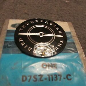 Nos New 1977 1978 1979 Ford Thunderbird Wheel Center Ornament Emblem D7sz 1137 C