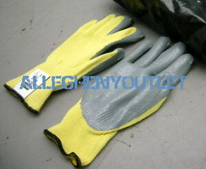 24 Pair 100 Kevlar Cut Resistant Nitrile Coated Palm Work Gloves Small New