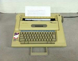 Smith Corona Electronic Typewriter W Lcd Display And Dictionary Na3hh