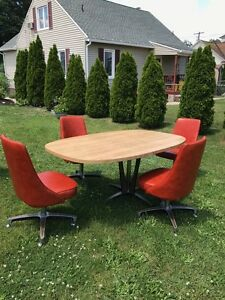 Vintage Retro Mid Century Kitchen Dinning Room Table Chairs